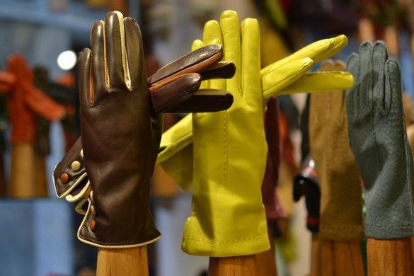fanny-gloves-venice