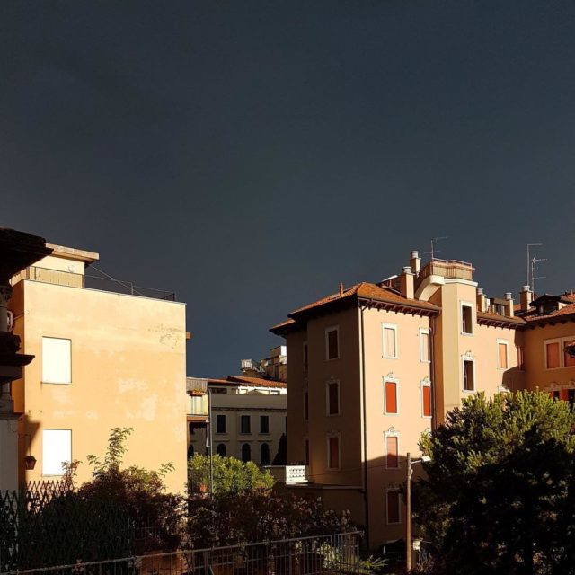 And a crazy dark sky! summerstorm darkness nofilter noediting stormiscominghellip