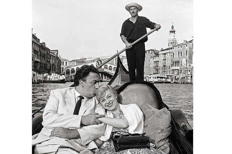 Ph © MARIO DE BIASI - Fellini e Masina, Venezia, 1955