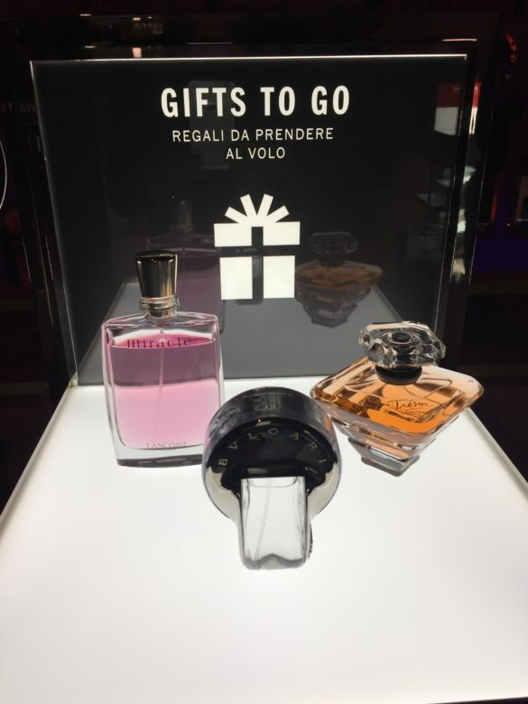 Small showcase gifts to go perfumes (various brands) at T Fondaco dei Tedeschi
