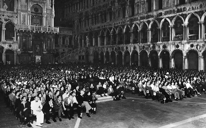 Venice Film Festival in 1947 © courtesy La Biennale di Venezia, ASAC, Fototeca, serie Cinema Photo: Studio fotografico Giacomelli