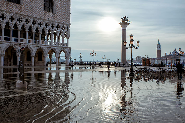 The phenomenon of Acqua Alta (c) Shutterstock.com