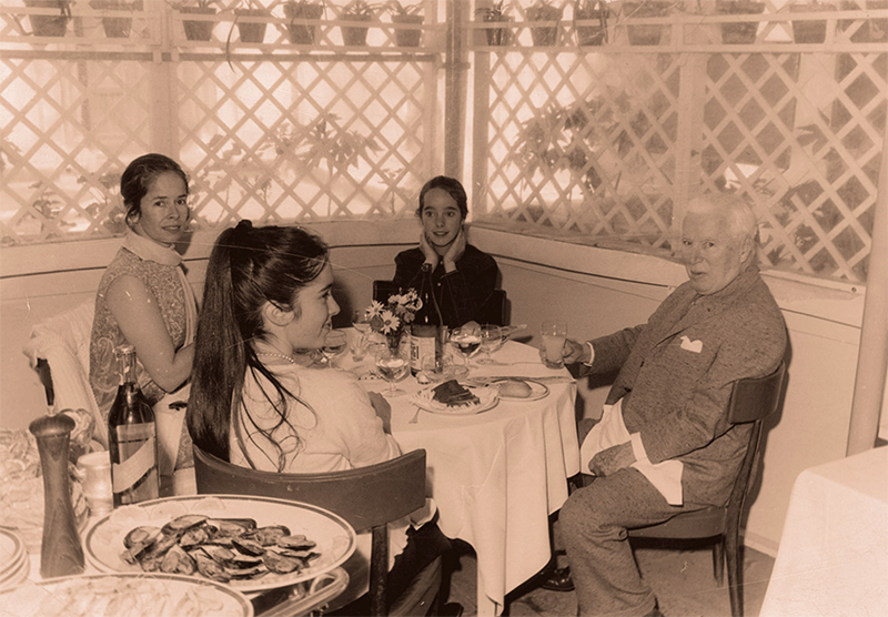 Charlie Chaplin with his family in 1962