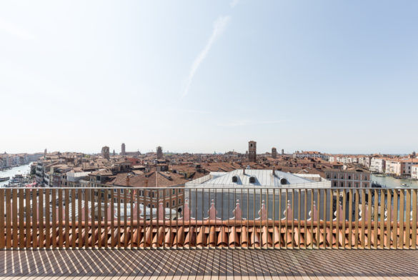 T-Fondaco - Rooftop Terrace - Photo by Delfino Sisto Legnani and Marco Cappelletti © OMA