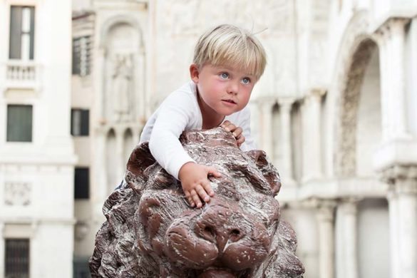 Kids in Venice, photo credits copyright Shutterstock