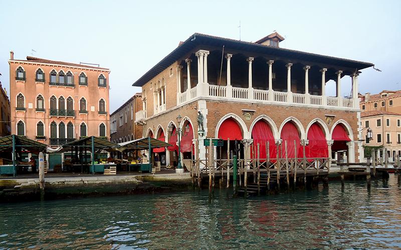 Discover the Rialto Market: the Fish Market of Venice